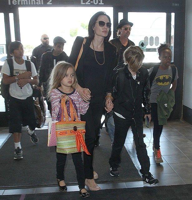 【写真を見る】ブラッドを恐れていたというアンジェリーナと子供たち