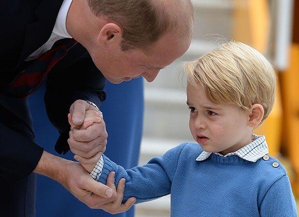 到着した際は緊張し、少し不機嫌だったジョージ王子