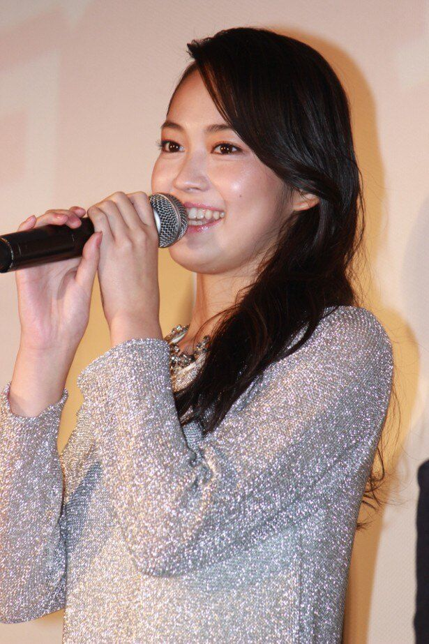 ヒロイン・成瀬愛華役の吉本実憂