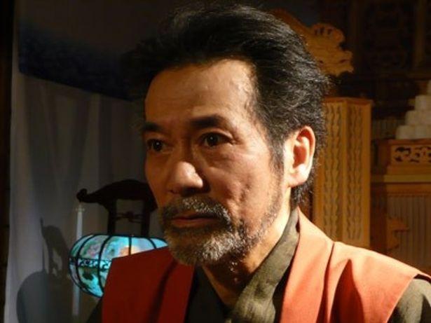 稲川淳二が、納棺師にまつわる恐怖のエピソードを聞かせてくれる