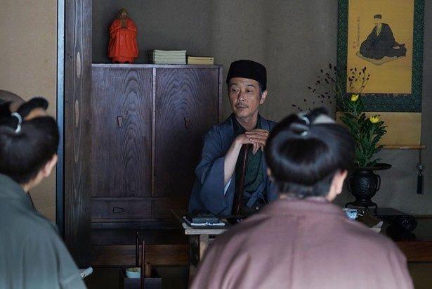 【写真を見る】13年に日本アカデミー賞最優秀助演男優賞などを受賞しているリリー