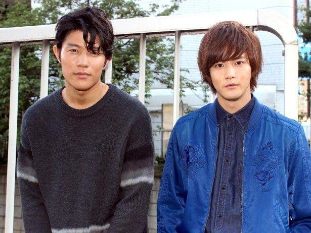 『彼岸島 デラックス』で共演した白石隼也と鈴木亮平
