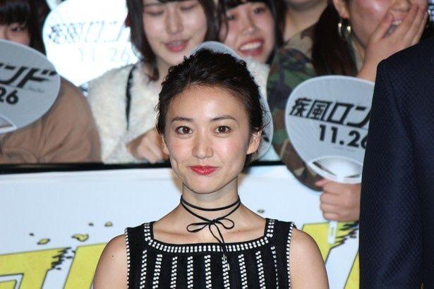 映画『疾風ロンド』の完成披露イベントに登場した大島優子
