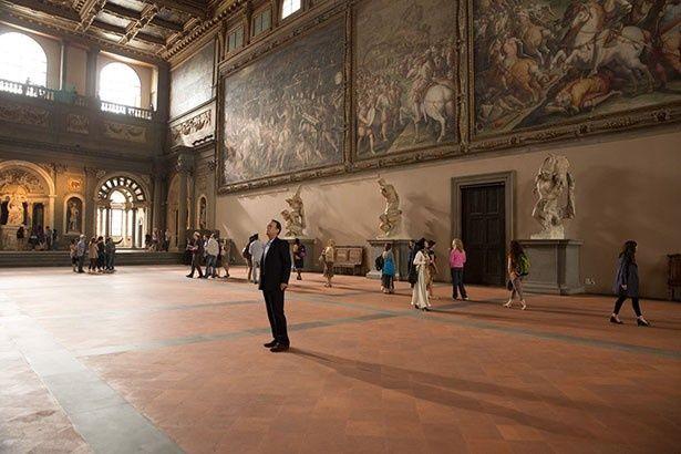 """ヴェッキオ宮殿で第1の謎""""チェルカ・トローヴァ""""を解明したラングドン"""