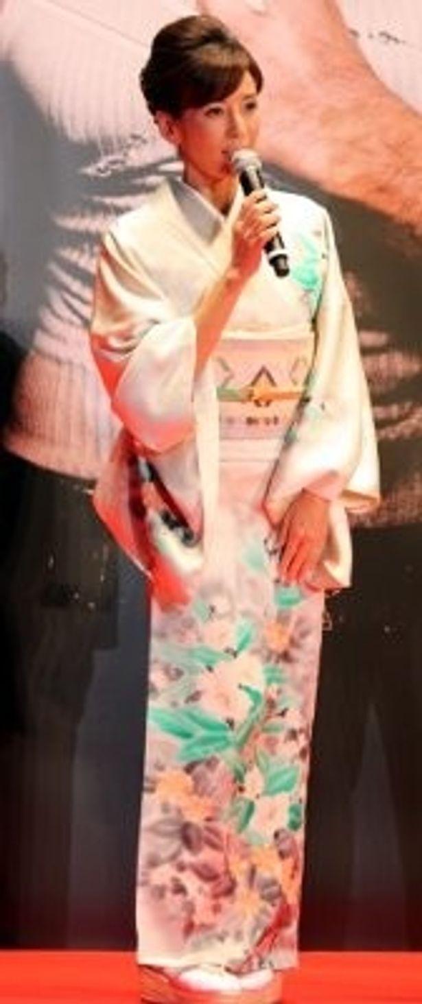 川島なお美のあでやかな晴れ着姿にうっとり
