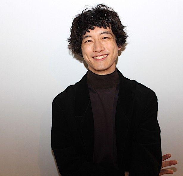 坂口健太郎 笑顔