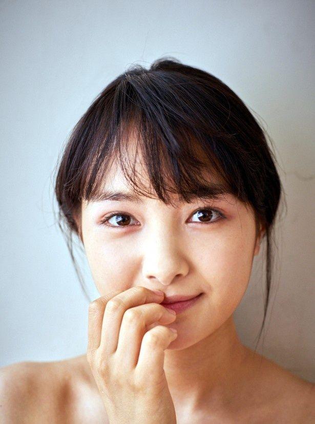 """18歳となった葵わかなの""""オトナっぽかわいい""""魅力が凝縮"""