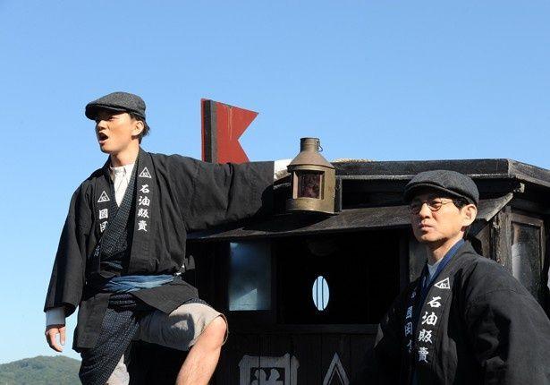 『海賊とよばれた男』主演の岡田准一が特殊メイクで60代、90代の男性に変貌!