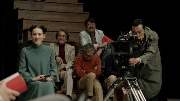 綾瀬はるかと遠藤憲一が「ディーガ」の新CMで共演