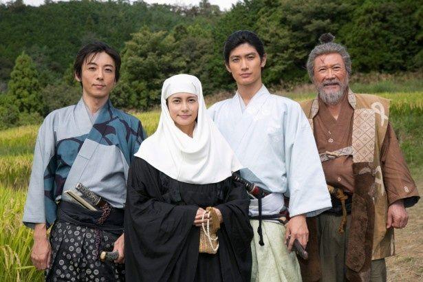 '17年の大河ドラマに出演する高橋一生、柴咲コウ、三浦春馬、前田吟(写真左から)