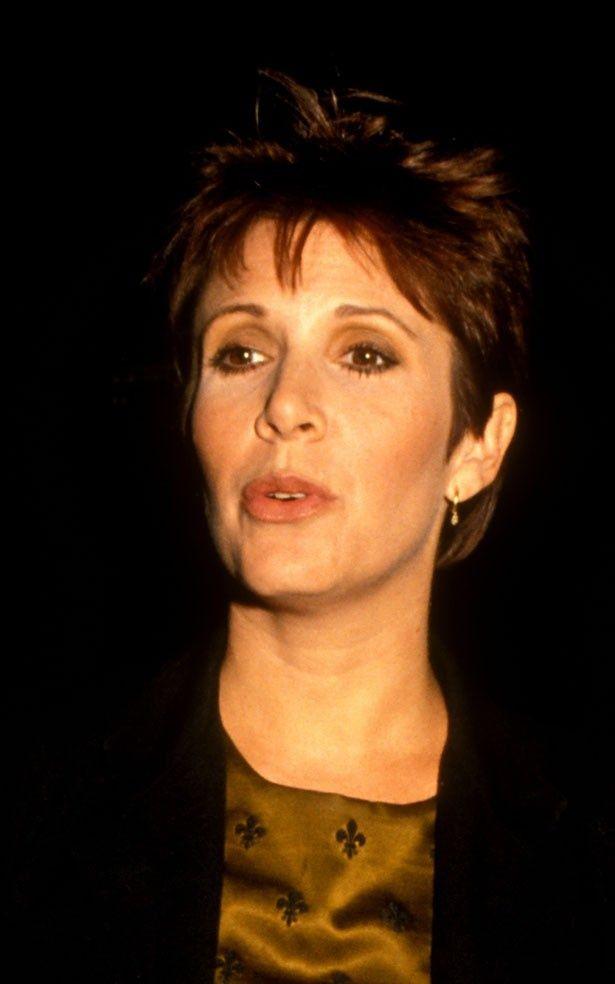 1991年、ショートヘアがクールだったキャリー・フィッシャー