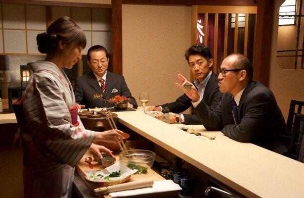 「相棒season15」にして初めて花の里を訪れる角田課長(山西惇)
