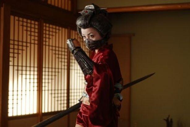 井口昇監督の新作『ロボゲイシャ』