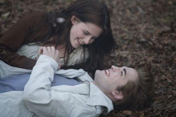 『トワイライト 初恋』からの一場面。絵になるカップルだ