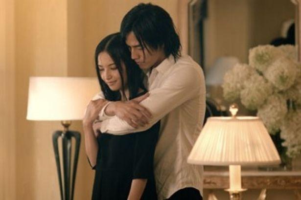 大胆な演技にも積極的に挑戦している女優、渡辺奈緒子