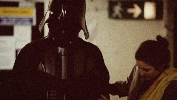 撮影当時のシーンも見られる(写真は『エルストリー1976 - 新たなる希望が生まれた街 -』)