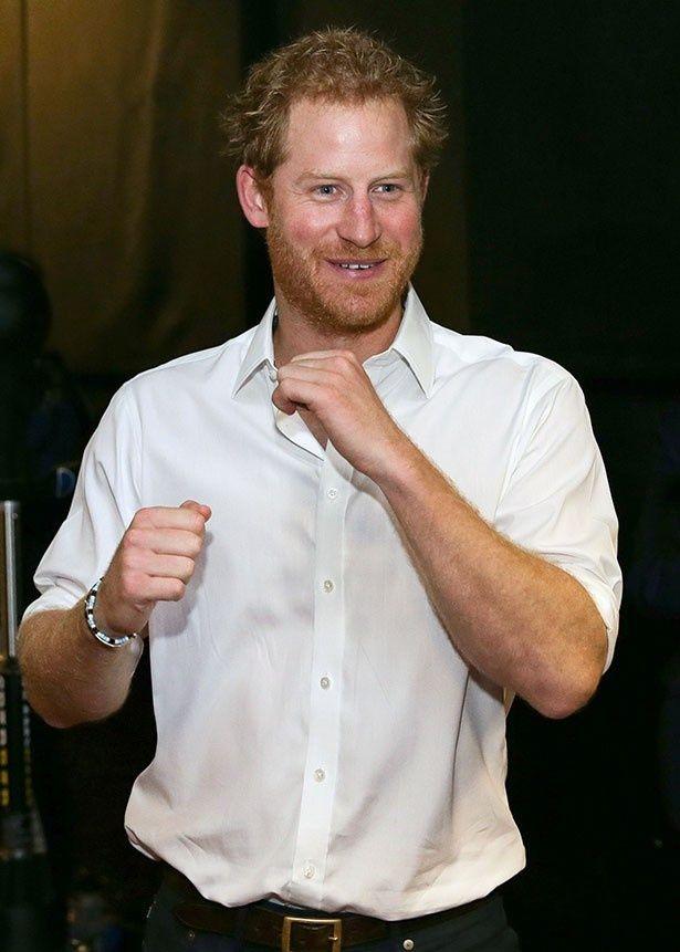 ヘンリー王子が恋人と約1.8mのモミの木を購入したようだ