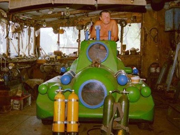 なんと手づくり!かなりポップな潜水艦