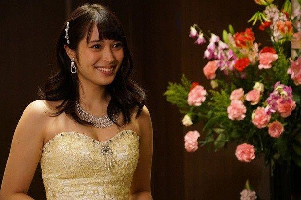 『新宿スワンII』でキャバ嬢を演じている広瀬アリス