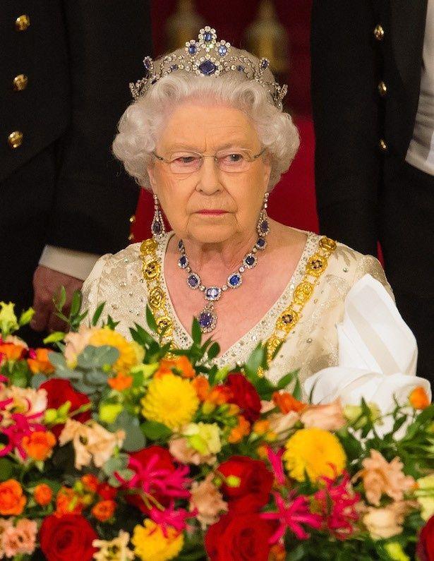 エリザベス女王は寂しいながらも2人の願いを許可したようだ
