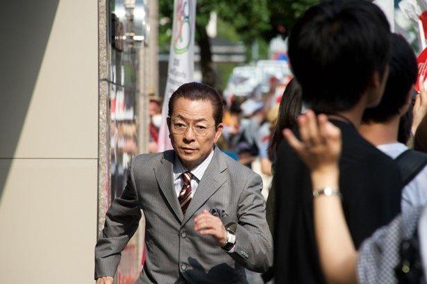 水谷豊扮する杉下右京が、国際的犯罪に挑む!