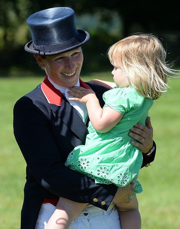 エリザベス女王の孫娘である35歳のザラ・ティンダル