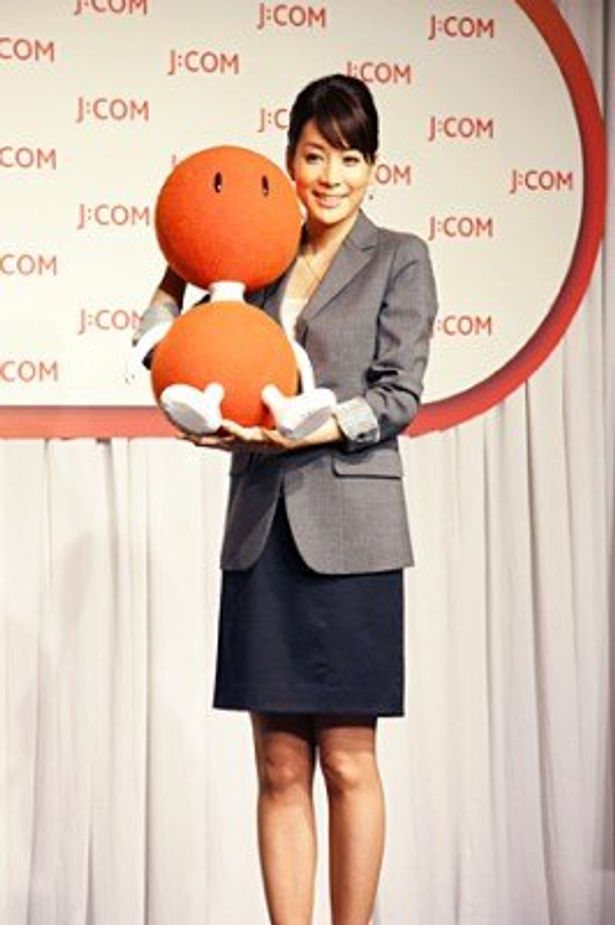 J:COMの新CMキャラクターに起用された内田恭子