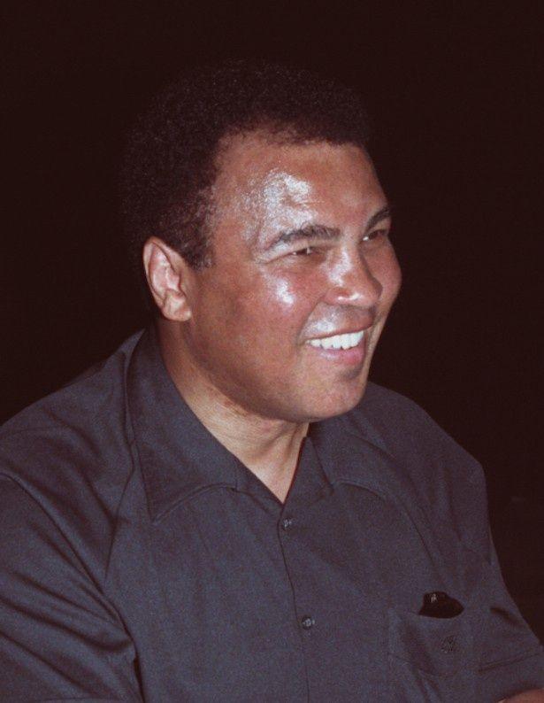 ボクシング選手として数々の名試合を繰り広げたモハメド・アリ