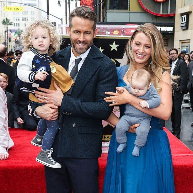 昨年ライアン・レイノルズとの間に第2子を出産したブレイク・ライブリーがGG賞授賞式に登場