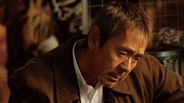 主演の寺尾聰。娘を失った父親は何を思う
