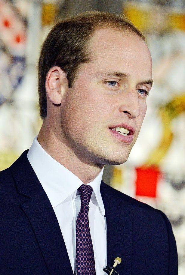 ウィリアム王子は救急ヘリのパイロットとして働いている