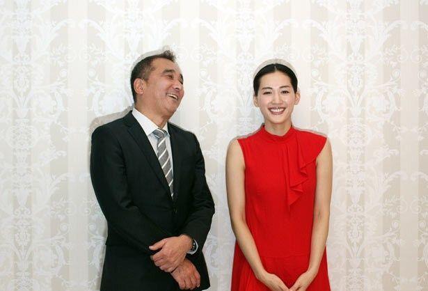 綾瀬を10代の頃から知る鈴木雅之監督とのトークは和気あいあい!