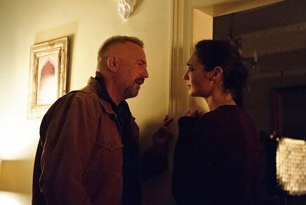 ケヴィン・コスナー演じるジェリコに、ガル・ガドット演じるジルは亡き夫の影を見る