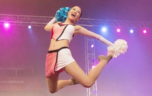 『 チア☆ダン ~女子高生がチアダンスで全米制覇しちゃったホントの話~』でチアダンスに挑戦した広瀬すず