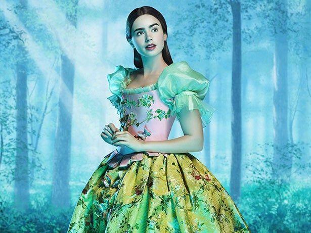『白雪姫と鏡の女王』(12)で白雪姫を演じた女優リリー・コリンズ