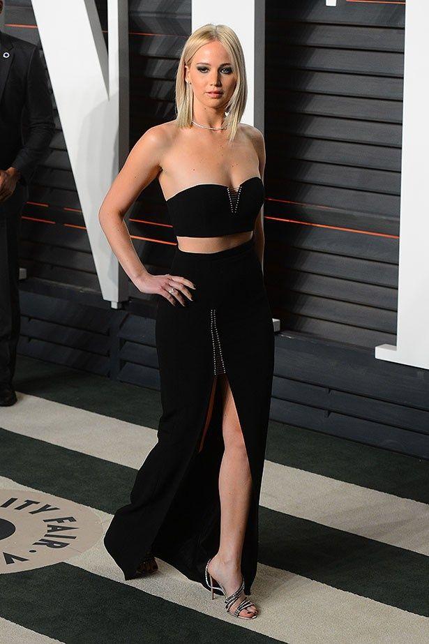 【写真を見る】ドレスを絶賛された昨年のオスカー・パーティでのジェニファー・ローレンス